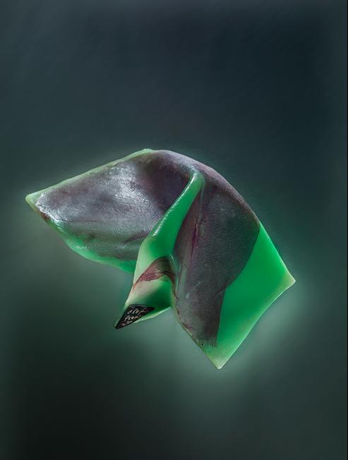 Spilla in resina acrilica e tessuto in poliestere by Stefano Fronza