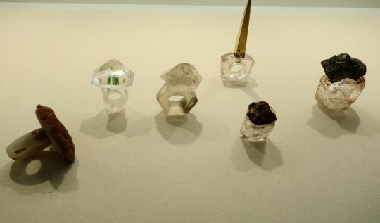 """""""Nach der Natur"""", dalla natura gli anelli di cristallo di rocca di Bernard Schobinger"""