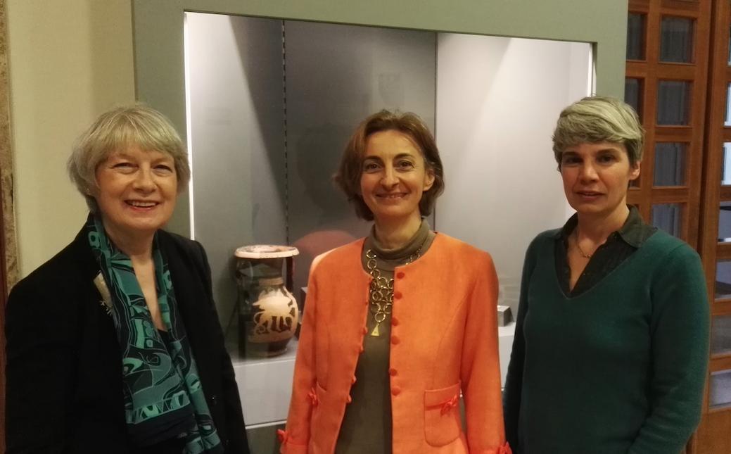 Da sinistra, Maria Rosa Franzin membro della giuria VDW, Alberta Facchi, direttore del Museo Archeologico di Adria, Lisa Balasso/Venice Design Week
